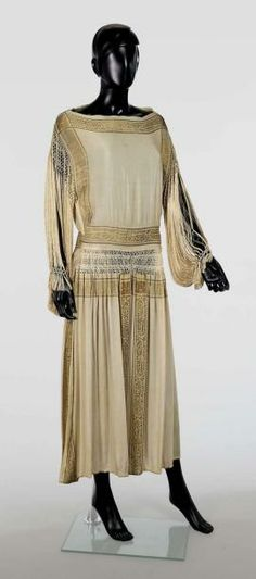 circa 1925-1928  EVENING DRESS drouot.com