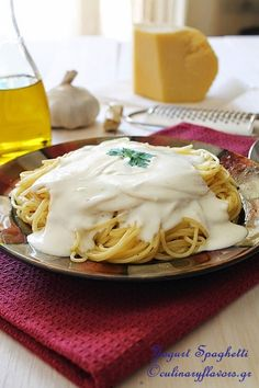 Greek-style Spaghetti with Garlic Scented Yogurt (scroll down for English)