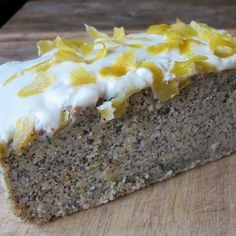 lemon and poppyseed drizzle cake - a winner!