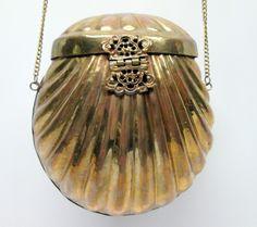 Vintage Art Nouveau Brass Shell Purse _  US $19.99