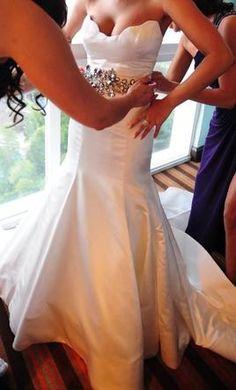 simple but so elegant wedding gown