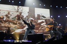 Usher And Blake Shelton | GRAMMY.com