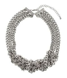 Chunky silver necklace for prom #silver #chain #jewelry #promnight #accessorize