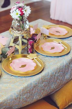 Beautiful Moroccan style tablescape