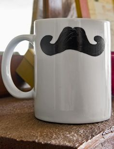 As we all know, Valentine's Day is not really a man's favorite holiday. All the gifts many people give are geared towards women. Well here is one gift you can make and give to the man in your life. Make your man this moustache coffee mug. Moustaches are very trendy right now, and a huge craft trend. #PlaidCrafts