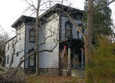 Italianate house on the east side by Christopher Busta-Peck, via Flickr