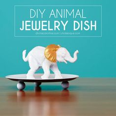Inspired by Anthropologie, these regal DIY animal dishes make a perfect jewelry bowl or wedding shower gift! #DIY #anthropologie #animaldish