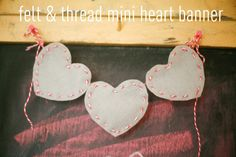 Make a Bakers Twine & Felt Mini Heart Banner (tutorial) baker twine, tutorials, banner tutori, valentine day, heart banner, minis, felt mini, mini heart, banners
