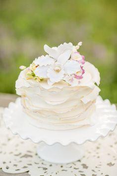 Simple mini cake | Just Crumbs | Erin Lindsey #wedding