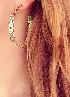 Pretty filigree earrings http://rstyle.me/n/jusqhnyg6