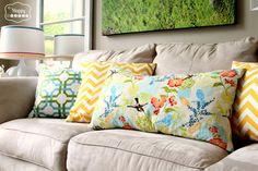 DIY Simple Envelope Pillow Tutorial at thehappyhousie