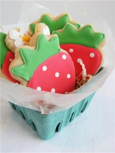 images of cookie presentations | strawberry cookies - presentation is everything. | Eat Dessert First
