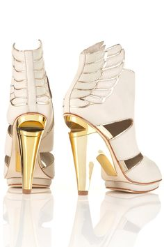 Wing booties