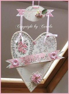 Sweetheart vintage wallpaper heart made after Holly Abston's tutorial