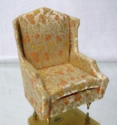 PETITE PRINCESS DOLLHOUSE FURNITURE WING CHAIR BY IDEAL