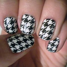 I want these. They are those Sally Hansen nail polish stickers.