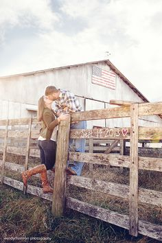 20 Stunning Engagement Photos | The SnapKnot Blog | Wendy Freeman Photography