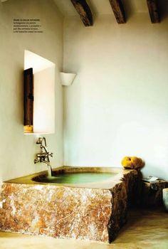 Stone bathtub