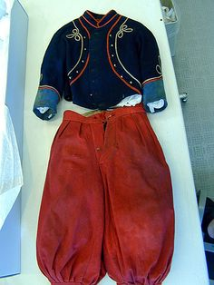 Boy's Civil War Zouave uniform, American, c. 1860-65.