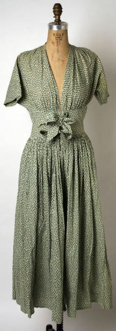 A wonderful cotton day dress designed by Claire McCardell in 1946 or 1947.