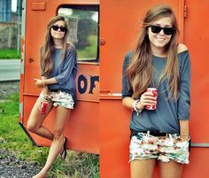 .Under the palm tree (by Kasia Gorol) http://lookbook.nu/look/3877944-Under-the-palm-tree