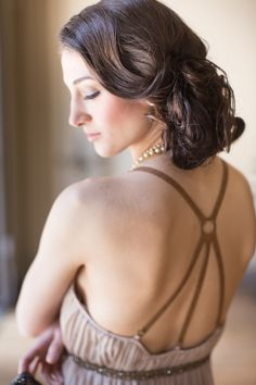 Romantic bridal hair | Photo by Heather Cook Elliott Photography | Read more - http://www.100layercake.com/blog/?p=76584