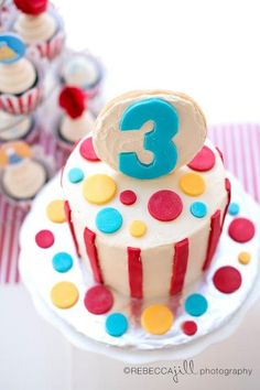 Carnival themes cake for a 3 year olds birthday party! www.bakedgoodies.com
