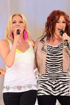 Blast from the past! Debbie Gibson and Tiffany rock out
