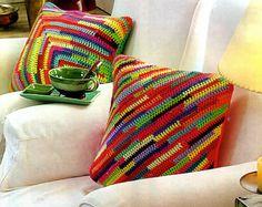 tejidos artesanales en crochet: almohadones multicolor tejidos en crochet