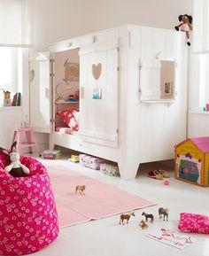 Cama infantil http://www.mamidecora.com/muebles-infantiles-camas-casita.html