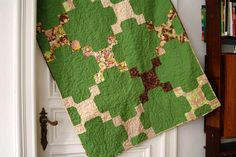 Gorgeous green quilt! I love quilts