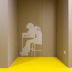 La señalética no solo sirve para guiarnos… también puede transformar espacios y hacerlos más atractivos a la vista  http://bit.ly/DiseñoGraficoPublicitario
