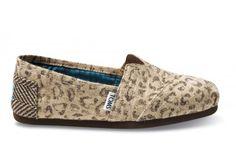 I love Tom's shoes.