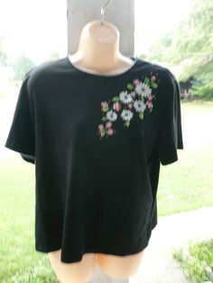 Black blouse Free Shipping sz L $8.00