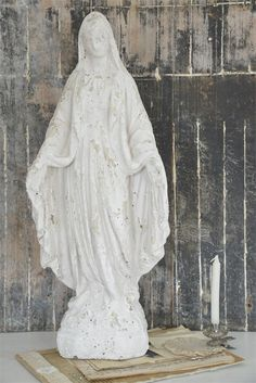 French inspiartion - tall Madonna statue