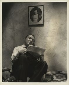 Peter Lorre. Love the lighting in this photo.