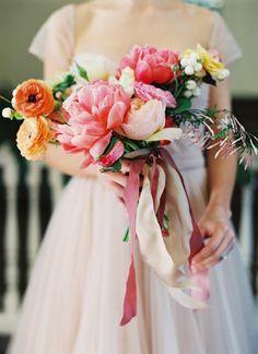 bridal bouquets, wedding bouquets, bride bouquets, southern weddings, wedding flowers, ami osaba, magazin, pink peonies, shabby chic weddings