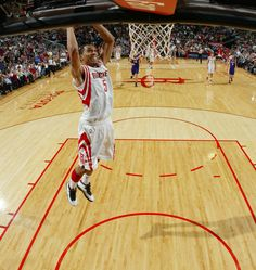 Courtney Lee with a dunk.    For all the latest Houston Rockets news and updates, visit www.rockets.com.