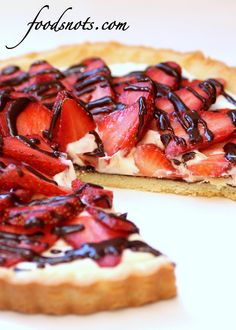 Chocolate Drizzled Strawberry Cream Cheese Tart. #food #strawberries #tarts #Valentines_Day