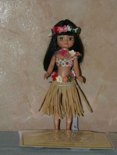 2006 - Betsy Visits the South Seas | Tonner Doll Company