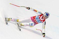 """© HEAD / Lindsey Vonn  -  LIVE: 1. Abfahrtstraining der Damen in St. Anton am Arlberg, Vorbericht, Startliste und Liveticker  Am Donnerstag um 11.45 Uhr findet in St. Anton am Arlberg auf der selektiven und extrem steilen """"Karl Schranz""""-Piste das 1. Abfahrtstraining der Damen statt. (Liveticker und Startliste sind im Menü oben abrufbar.)   Nach 2007 kommt die weibliche Elite des Alpinen Skisports wieder ins österreichische St. Anton am Arlberg. 2001 war der berühmte ........"""