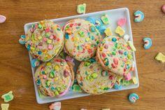 Lucky Charms Rainbow Sandwich Cookies | Tasteseekers Kitchen