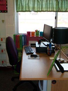 Love the teachers desk- the light is very cute!!