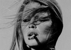 brigitte-bardot_SMOKING1.jpg (620×441)