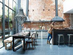 letting the outside in. #kitchen #wallideas #lustre #amazingdecor