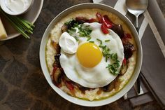 egg recipes, eggs, mushroom recipes, saute mushroom, food, creami polenta, pepper, polenta recipes, fri egg