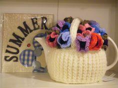 Ravelry: ElizabethLihou's anemone tea cosy