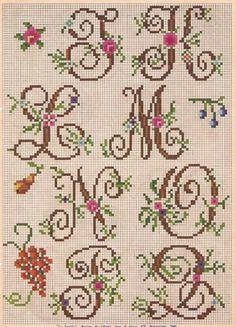 letter, bordado a mao, ponto cruz, monograma bordado, abecedario, embroideri