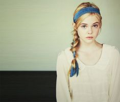 Elle Fanning-- Ginny Grance- Gwen's younger sister