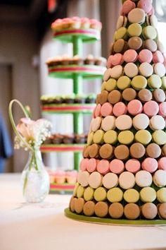 #wedding macaron cake